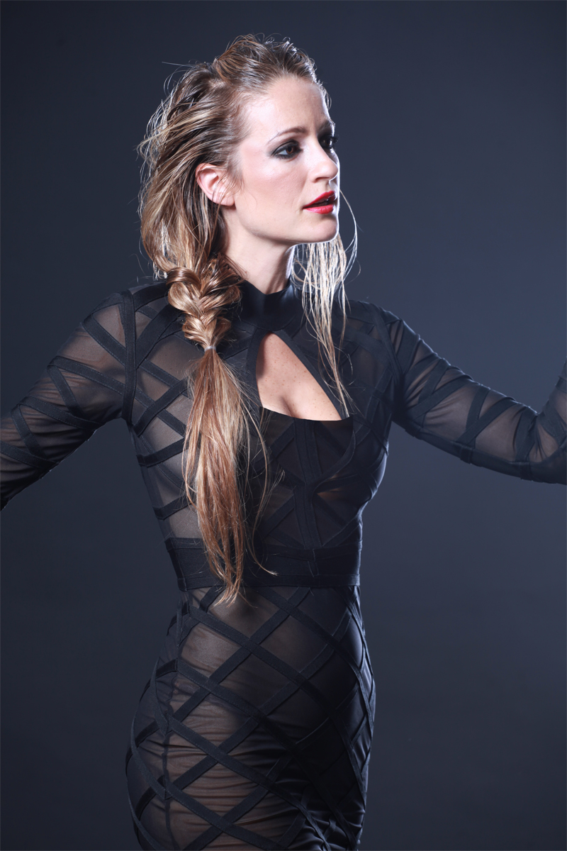Wearing: Arcta. Photo: Ilan Besor, makeup and hair: Bar Barak.